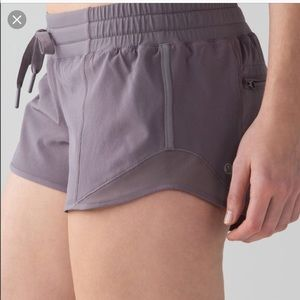 Lululemon hottie hot gray running shorts 4 y'all